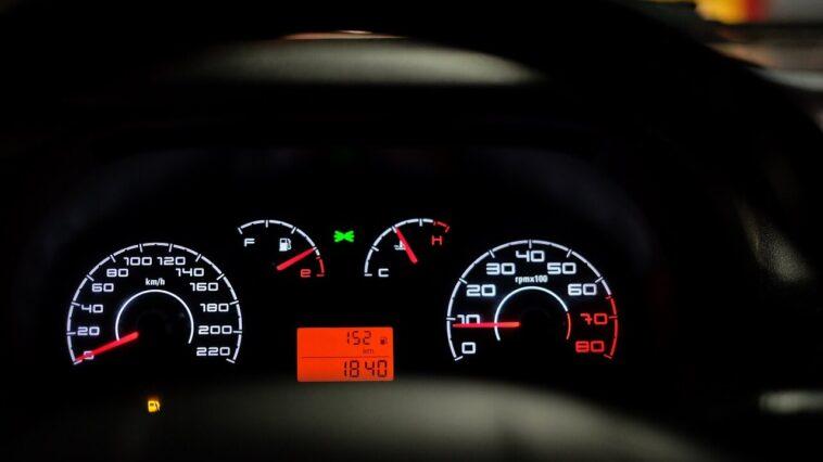 Dlaczego, aby okleić szyby samochodowe, potrzebujesz profesjonalnej firmy?